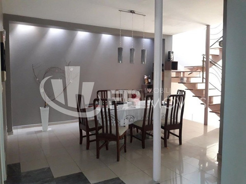 Casa Assobradada - Venda - Com 03 Suítes E Piscina - Vila Haro - Zona Leste. - 1731 - 69346778