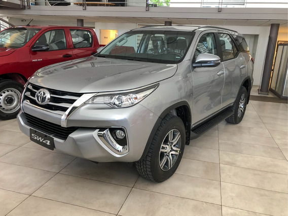 Toyota Hilux Sw4 2.8 Srx Mt C/cuero 7as Oportunidad Mr