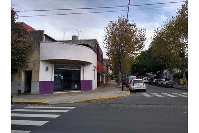 Casa En Esquina, Con Local, Ideal Ampliación.