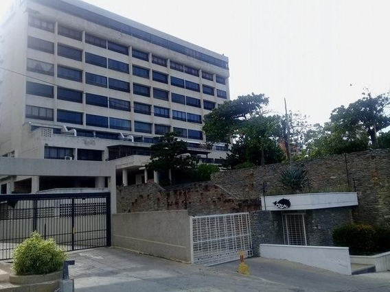 Alquiler De Apartamento En Playa Grande. 04142250913