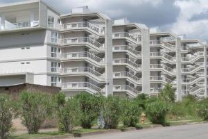 19-19766 Excelente Apartamento En Solar De El Hatillo