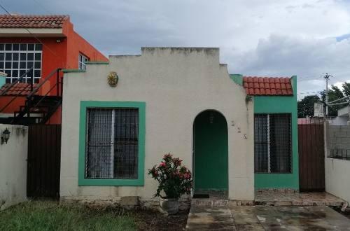 Casa En Renta De 1 Planta, 2 Habitaciones En Cerrada Chuburna