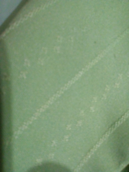 Saquito En Verde . Marca Nare. Talle L