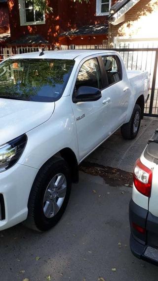 Toyota Hilux 4x2 D/c Sr 2.4 6m/t My20 Pkm
