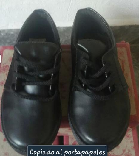 Zapato Unixes Tipo Escolar. Tallas 23, 24 Y 26