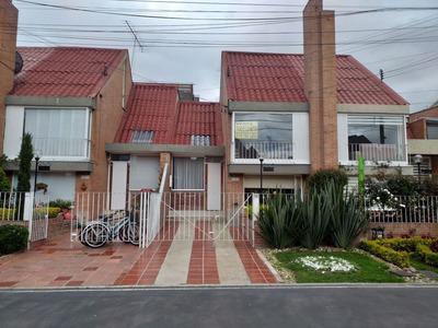 Casas En Venta Maranta 815-542