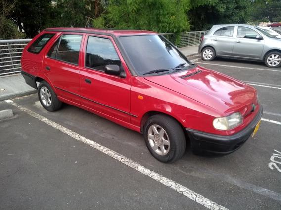 Skoda Felicia, Motor 1,3, Mod 1996 Rojo , 5 Puertas