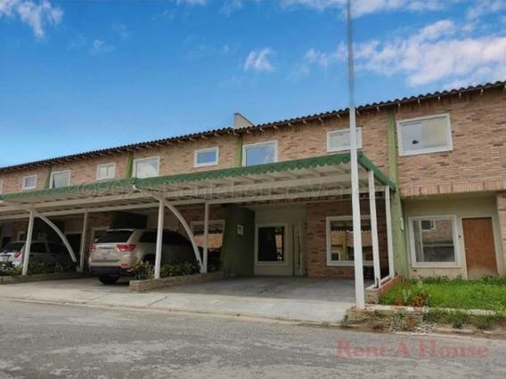 Townhouse En Venta Urb Karol Home Ii Cod. 20-24069