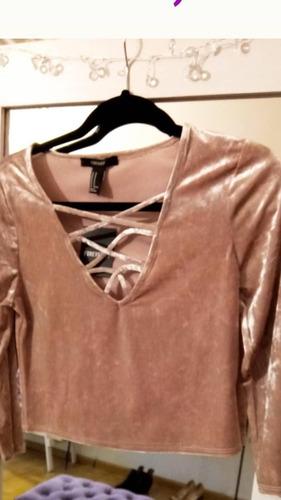 Camiseta Velvet, Noche, Forever 21