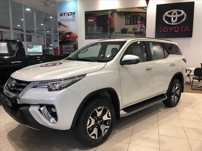 Toyota Sw4 2.8 Tdi Srx Diamond 7l 4x4 Aut. 5p 2019