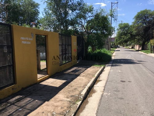 Terreno En Venta, A Una Cuadra De Donato Alvarez  Córdoba
