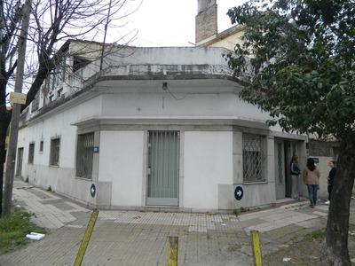 Avellaneda - Zeballos Al 3000. Casa En Esquina