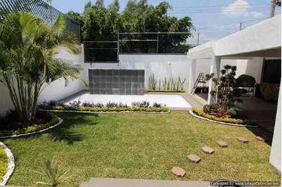 (crm-1404-3272) Venta De Casa En Zona Dorada Estratégica Ubicación Dentro De Col. Vist