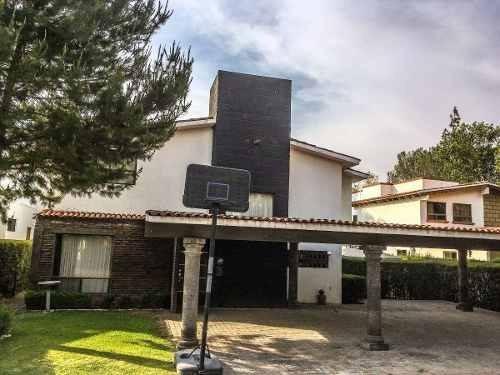 Casa En Campestre San Gil, Amplia Y Cómoda Con Jardines, Lago Y Club De Golf