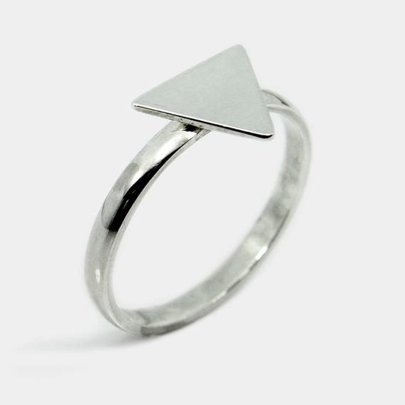 Anel Aparador Triangular Em Prata Legitima 950k