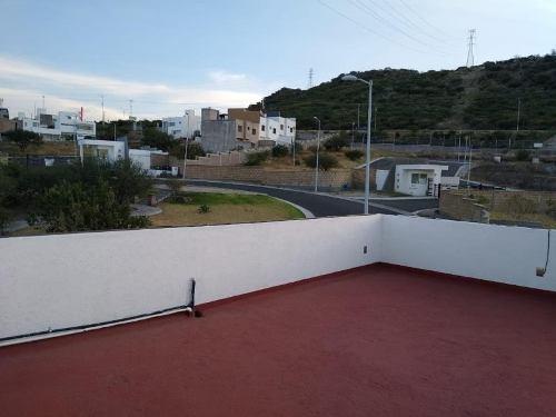 Casa En Venta En Fracc Punta Esmeralda