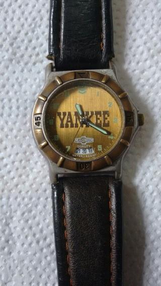 Relógio Yankee Antigo Mediano