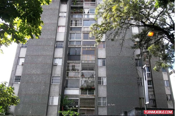 Apartamento En Venta La Trinidad18-14445 Bh