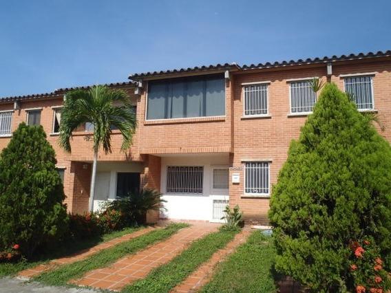 Hh 17-6835 Townhouse En Venta Tzas De Buena Ventura
