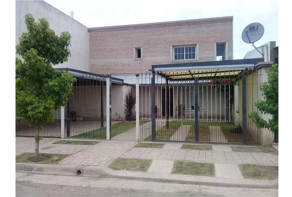 Casa Seminueva En Venta - Estación Alvarado