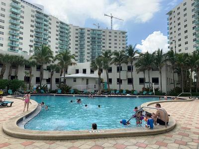 Departamento Miami , Frente Al Mas, The Tides, Hollywood