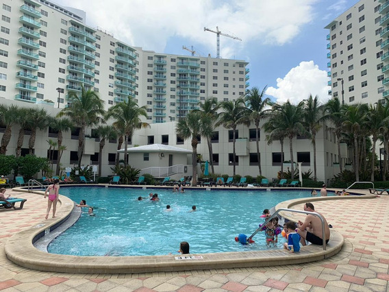 Departamento Miami , Frente Al Mas, The Tides, Hollywood