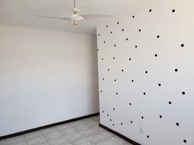 Apartamento Com 2 Dormitórios Para Alugar, 60 M² Por R$ 900/mês - Taquara - Rio De Janeiro/rj - Ap0212