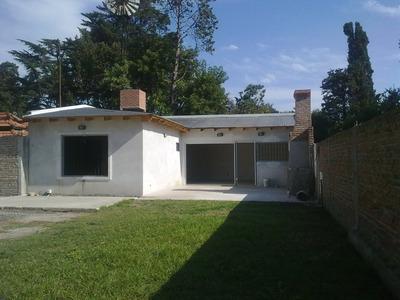 Casa 2 Ambientes Con Amplio Terreno Y Pileta