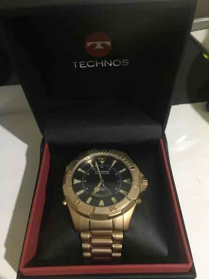 Relógio Technos Masculino Com Caixa E Pulseira De Aço.