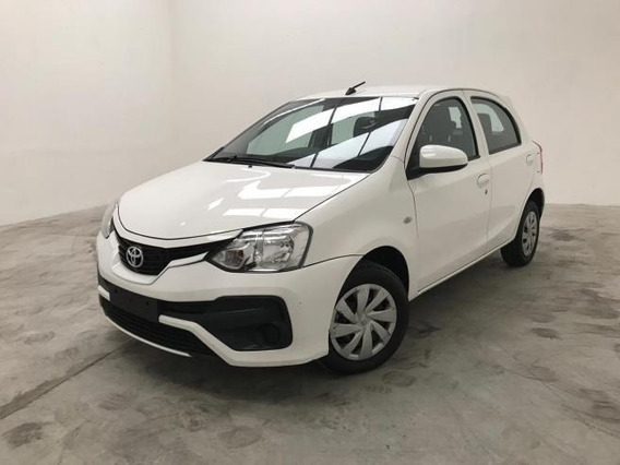 Toyota Etios Hatch X 1.3 Flex Manual - Sem Entrada