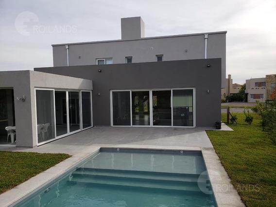Venta Casa 4 Ambientes Jardin Pileta Quincho Ayres Plaza