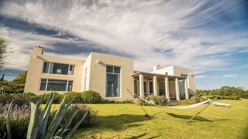 Chacra 5 Dormitorios En La Carolina, Punta Ballena