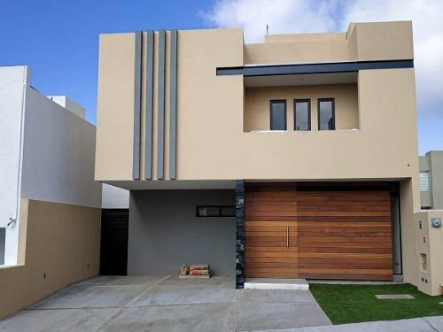 Casa En Venta, Residencial La Vista // Rcv190905a-lr
