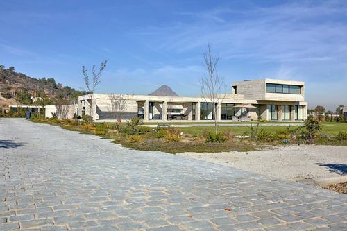 Imagen 1 de 20 de Moderna Casa Estilo Mediterráneo, Viñas De Chicureo