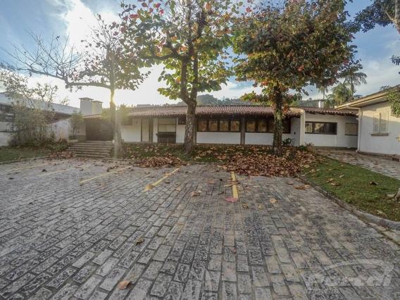 Casa Comercial No Vorstadt Com 05 Salas E Demais Dependências, Amplo Terreno Para Estacionamento. - 3578480