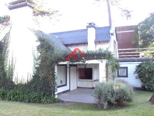 Casa En Playa Brava- Ref: 1297