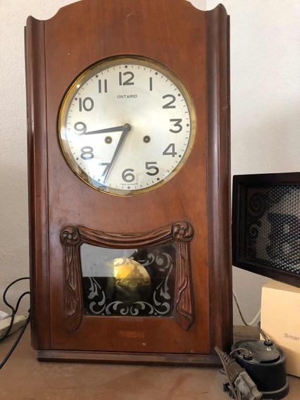 Hermoso Reloj Mecanico Antiguo De Cuerda.