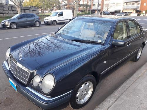 Imagen 1 de 12 de Mercedes Benz E 240 Elegance Plus Automático