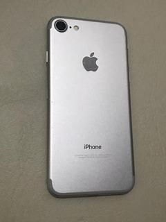 iPhone 7 - 32gb - Prata (usado)