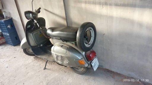 Chetak.- Bajaj - 150cc. 2001