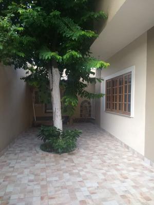 Casa 3 Andares,4 Quartos 7 Banheiros, Garagem E Piscina