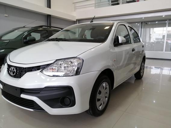 Toyota Etios 1.5 X Hatchback 0km