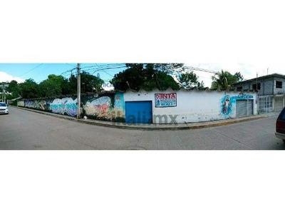 Terreno 1218 M² Con Cuartería En Venta Tihuatlan Pegado A Poza Rica Veracruz, Se Encuentra Ubicado En La Calle Ignacio Zaragoza # 6 De La Colonia Sector 5 Con Acceso Por El Pozo Petrolero Trasero Al