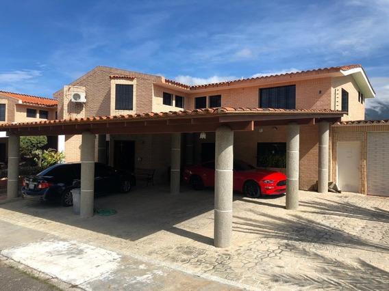 Venta De Townhouse En Villaserino San Diego 450 Mts Mag