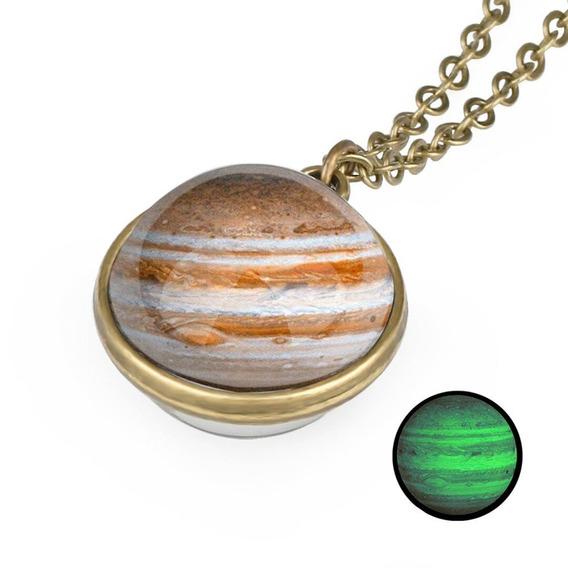 Colar Pingente Esfera Jupiter Planetas Brilha No Escuro
