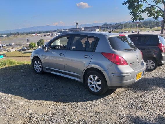 Nissan Tiida Hb