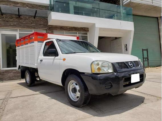 Nissan Np300 2.4 Estacas Dh Mt 2013