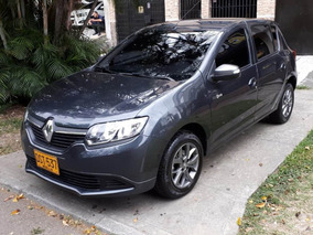 Renault Sandero Expression Night & Day