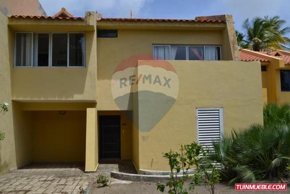 Remax Costa Azul Vende Town House En Caribbean