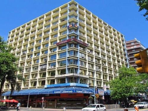 Alquiler Oficina En Torre Libertad Plaza Libertad-montevideo